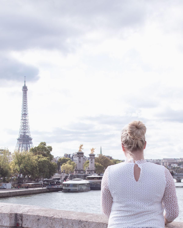 Bokat resa till Paris