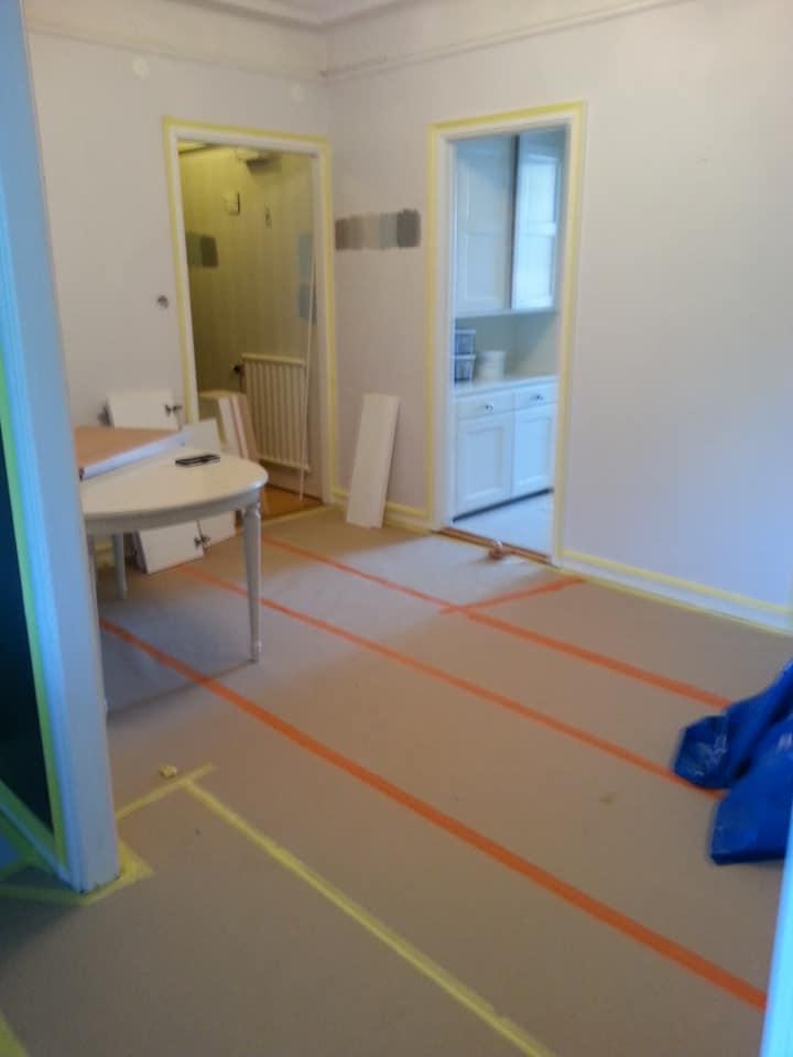Det ska målas i matsalen och hallen också…