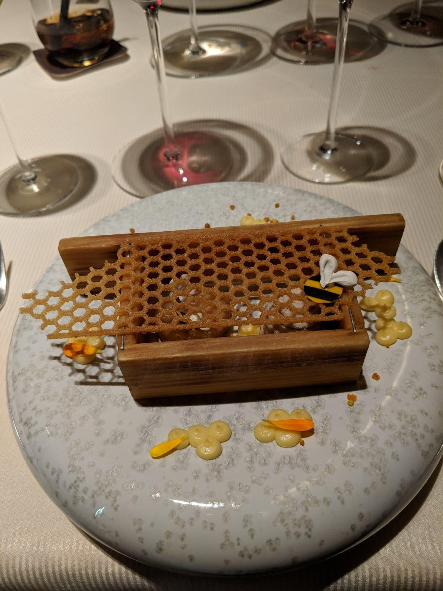 Honung, bipollen och solrosfröglass