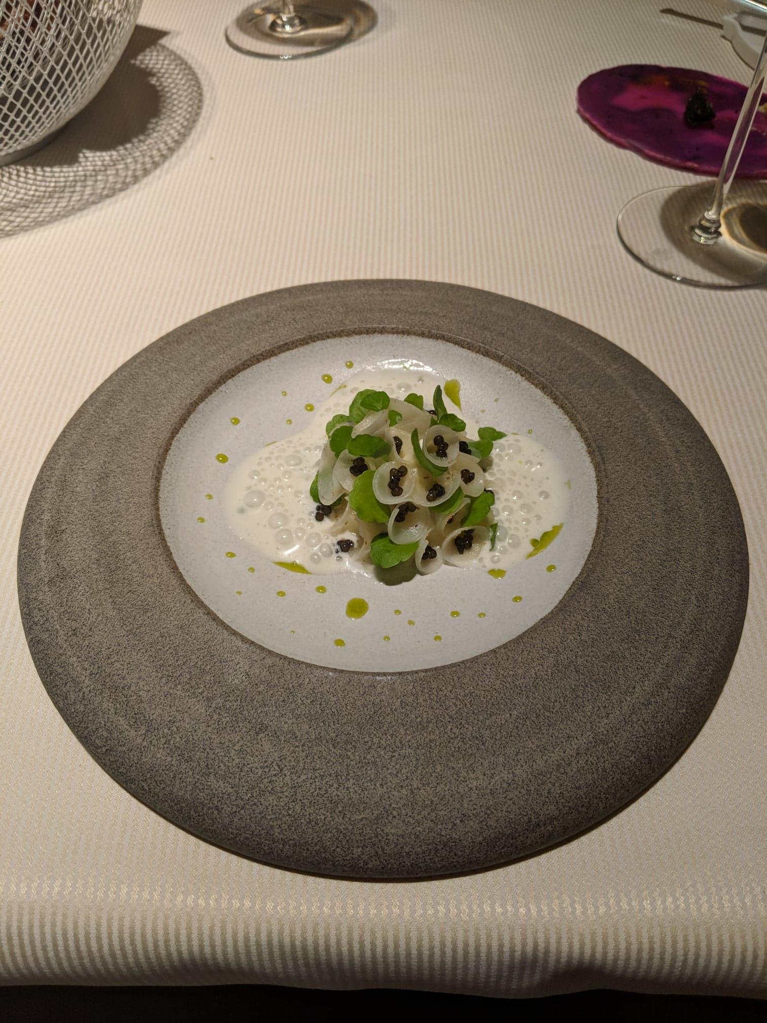 Störmousse, purjolök och kaviar