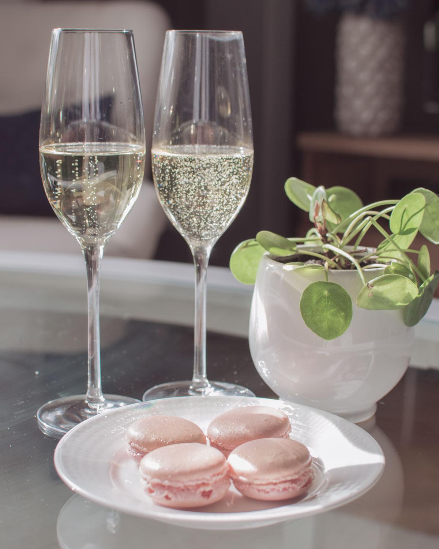 Fredag, bubbel, macarons och helgplaner