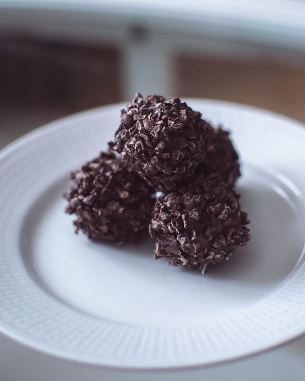 Recept: Chokladbollar med rom och helgens planer