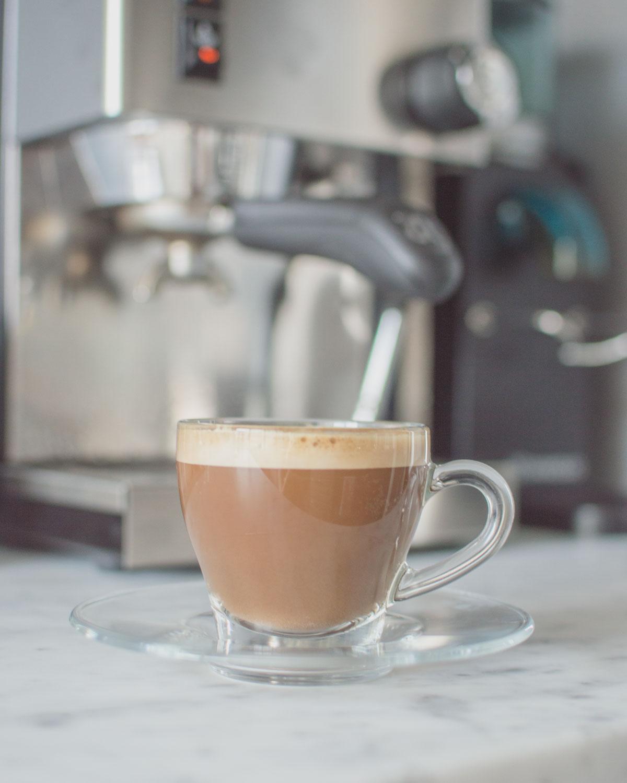 Morgonlycka är att ha en espressomaskin