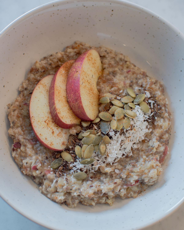 Recept: havregrynsgröt som smakar äppelpaj